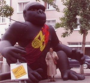 Marta Dietschy und King Kong 1995